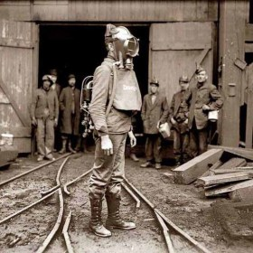 Pennsylvania 1910. Rescuer with oxygen mask made by Drager.